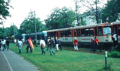 Straßenbahnstau am 15.06.2005 in Höhe des Blutspendedienst (Foto: S.Kyrieleis)
