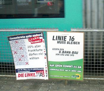 Wahlplakat der Grünen, das den Fortbestand der Straßenbahnlinie 16 fordert