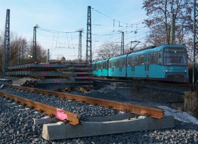 Vorbereitetes Gleis am Abzweig zwischen Zeilweg und Wiesenau (Foto: S.Kyrieleis)