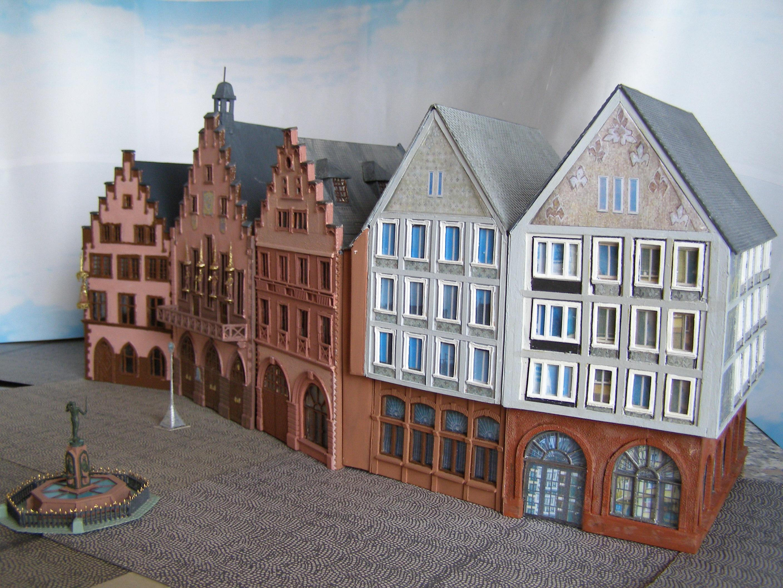 Römerberg als Modell im Maßstab 1:87 vorne die Häuser Frauenstein und Salzhaus